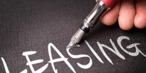 Zwłoka finansujacego w sprzedaży przedmiotu leasingu